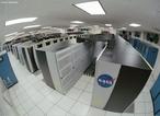 Supercomputador é um computador com altíssima velocidade de processamento e grande capacidade de memória, empregado em pesquisas científicas e militares. <br /><br /> Palavras-chave: Ondas, eletrônica, bateria, supercomputador, computador, memória, processamento, dados, tecnologia, clusters, máquina, cálculo, lógica, capacidade.
