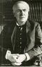 Thomas Alva Edison (1847—1931) foi um inventor e empresário dos Estados Unidos que desenvolveu muitos dispositivos importantes de grande interesse industrial. Entre as suas contribuições mais universais para o desenvolvimento tecnlógico e científico encontra-se a lâmpada elétrica incandescente, o gramofone, o cinescópio ou cinetoscópio, o ditafone e o microfone de grânulos de carvão para o telefone. <br /><br /> Palavras-chave: Thomas Edison, lâmpada, gramofone, o cinescópio ou cinetoscópio.