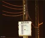 O sistema trifásico é a forma mais comum de geração, transmissão e distribuição de energia elétrica em corrente alternada.  <br /><br /> Palavras-chave: Transformador Trifásico, energia elétrica, eletricidade, corrente alternada, ondas senoidais, circuitos magnéticos, tensão.