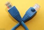 Um conector é um dispositivo que conectado a outro permite a troca de dados ou informações que posteriomente serão processadas. Por exemplo, entre um computador e um modem e entre um modem e uma linha telefônica. <br /><br />  Palavras-chave: Conector, rede elétrica, eletricidade, tecnologia, redes, dispositivo, elétrica.