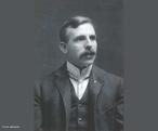 (1871-1937) Foi físico e químico inglês. Recebeu o Prêmio Nobel de química em 1908 pelas suas investigações sobre a desintegração dos elementos e a química das substâncias radioativas. Foi um dos físicos experimentais mais relevantes da física nuclear. <br /><br />  Palavras-chave: Física nuclear, oxigênio, átomos, núcleo atômico, radioatividade.