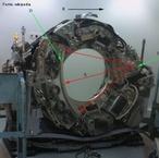 Um tomógrafo é um equipamento de raio x que permite capturar imagens em 360 graus com uma espessura muito pequena facilitando um diagnóstico mais apurado. <br /><br />  Palavras-chave: Eletromagnetismo, luz, raios, raio x, ondas, energia eletromagnética, radiação.