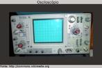 O osciloscópio é um instrumento de medida eletrônico que cria um gráfico bi-dimensional visível de uma ou mais diferenças de potencial. <br /><br /> Palavras-chave: Eletricidade e magnetismo, osciloscópio, gráfico eletrônico, medida, monitor, tensão, tempo, frequência.