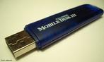 É um dispositivo de armazenamento de dados constituído por uma memória flash e uma ligação USB. <br /><br /> Palavras-chave: Tecnologia, memória flash, energia, computador, conector, eletrônica, informática, led, chip.