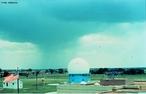 Um tipo de radar que utiliza o ondas eletromagnéticas - por meio do efeito doppler - para realizar medições relacionadas às chuvas de uma determinada região. <br /><br /> Palavras-chave: Eletromagnetismo, ondas eletromagnéticas, energia, distância, frequência, radar, meteorologia, efeito doppler.