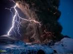 Raios em erupções vulcânicas. <br /> Palavras-chave: Cargas elétricas, eletricidade estática, vulção.