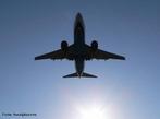 É um meio de transporte no qual são aplicados conceitos da física, como resistência do ar e princípio de Bernoulli, para que o equipamento possa voar. <br /><br /> Palavras-chave: Princípio de Bernoulli, pressão do ar, velocidade do som, resistência do ar, gases, aerodinâmica,   propriedades da matéria.