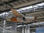 Avião é um meio de transporte no qual são aplicados conceitos da física como resistência do ar e princípio de Bernoulli para que o equipamento possa voar. <br /><br /> Palavras-chave: Princípio de Bernoulli, pressão do ar, velocidade do som, resistência do ar, gases, aerodinâmica, propriedades da matéria.