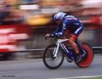 Ciclismo é um esporte de corrida de bicicletas. <br /> <br /> Palavras-chave:Cinemática, perímetro da roda, velocidade, movimento rotacional, distância, tempo, trabalho e energia, transmissão de movimento, atrito, aerodinâmica.